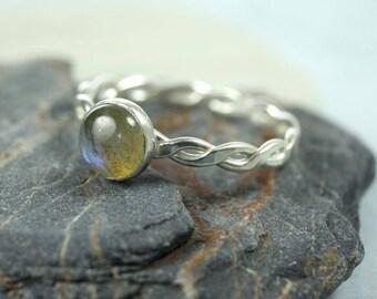 Silver Rope Ring - Labradorite Ring, Gemstone Ring | Hammered Twist Ring | Stacking Ring
