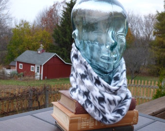 BLACK & WHITE HOUNDSTOOTH Double thick Fleece Neck warmer / Cowl / Gaitor / Gator