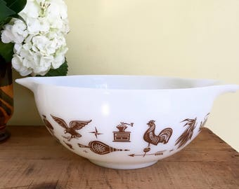 Vintage Pyrex Early American, 2 1/2 Quart Princess Mixing Bowl, Milk Glass, Brown on White, 443
