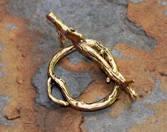 1 Antique Gold Woodland Bar and Ring - Clasp