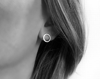 Minimal circle earrings silver 10mm diameter Circle stud earrings Every day Modern earrings Small circle studs Womens gift For her
