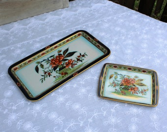Vintage/tin/two/floral/trays. Tin trays. Daher Decorated Ware/Made in England. Designed by Daher/Long Island NY. Lovely set! Pretty tins!