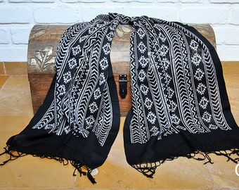 Ethical Black Stole with Block-Printed Pattern