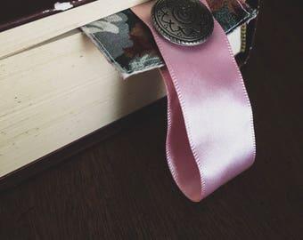 Fabric Bookmark (Vintage Rose)