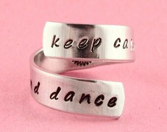 Gardez votre calme et bague - cadeau pour la ballerine - cadeau de Ballet de danse - Twist - bague fantaisie - bague en argent - bague personnalisée - danse bague - bague en Tutu