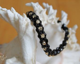 beaded bracelet, minimalist bracelet, black bracelet, beaded jewelry, seed bead bracelet, jewelry bracelet, thin bracelet, fashion jewelry