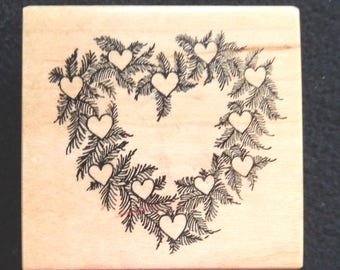 PSX F-366 - Heart Wreath - Retired Rubber Stamp (1)