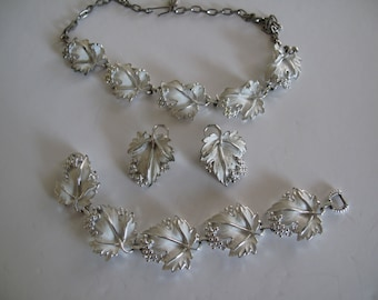 Sarah Coventry Whispering Leaves Full Parure, Necklace Bracelet Earrings Estate Jewelry Collectible Party Jewelry