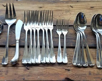 Vintage 18/8 Stainless Flatware  Lot Silverware 23Pc w/ 2 Place Settings Towle Supreme Cutlery Japan COLUMBIA Ex Cond Servers Dinner Forks