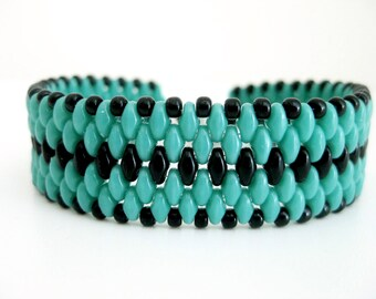 Superduo Bracelet / Peyote Bracelet / Beaded Bracelet in Turquoise and Black  /  Beadwoven Bracelet / Seed Bead Bracelet / Gift for her