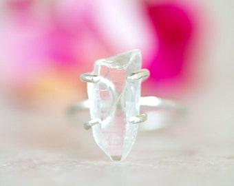 Crystal Quartz Ring, Quartz Point Ring, Crystal Clear Quartz Silver Ring