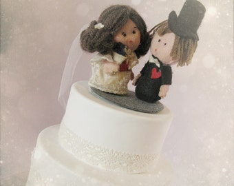 Custom wedding cake topper - personalized bride and groom handmade - OOAK felt sculpture made to order Hand made in France