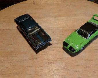 Johnny Lightning Limited Edition 1969 Plymouth Roadrunner, Johnny Lightning Plymouth, Die cast cars