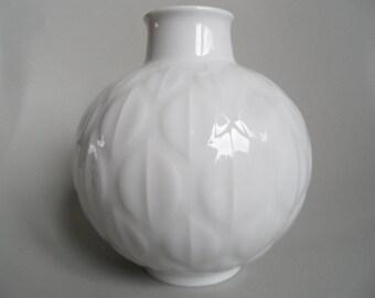 Eschenbach white shiny porcelain vase,german porcelain