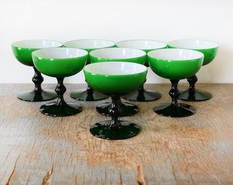 Carlo Moretti emerald green coupe glasses, vintage 60s Italian Murano cased glassware, mid century modern cocktail glasses, set of 8