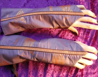 Steampunk sleeves.Arm warmers. Bronze air ship print, Lace up.