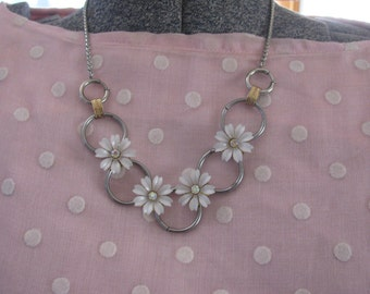 White Flowers Daisies Vintage Necklace