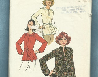 1977 Simplicity 7892 Boho Blouses with Puff Set in or Raglan Sleeves Size 16
