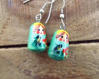 Vintage Matryoshka Earrings - Russian Nesting Doll Dangle Earrings- Green Girl Matryoska Earrings