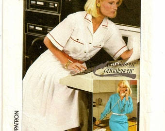 "A Short or Long Sleeve Shirtwaist Dress w/ Straight or Full Pleated Skirt Sewing Pattern for Women: Size 10, Bust 32-1/2"" • Simplicity 7270"