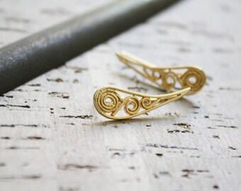 Gold drop filigree ear cuff, dainty gold drop ear pin, gold stud earrings, small gold ear pin, gold ear climbing earring