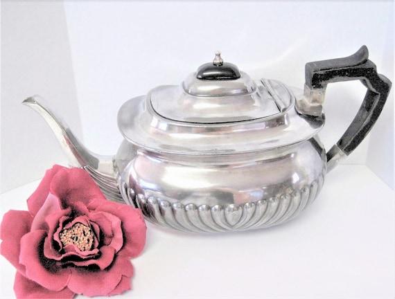 Art Deco Silverplate Teapot, Vintage Ribbed Front, Bakelite Top, Wood Handle Teapot