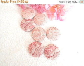CLEARANCE - 7 pink coral lace fabric covered buttons,size 60, 1.5 inches
