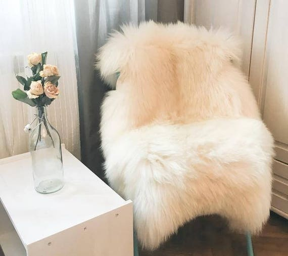 Very Big Bright Ivory Lambskin Rug. Premium Quality! Sheepskin! About 120 cm long! . Soft and Luxurious Long Hair.
