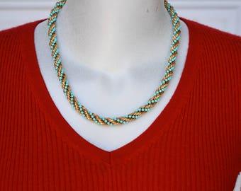 Avon Rope Twist Necklace in Original Box Vintage