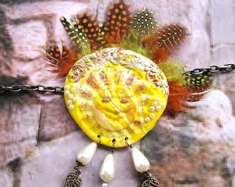 Bright necklace * inti Sun God *.