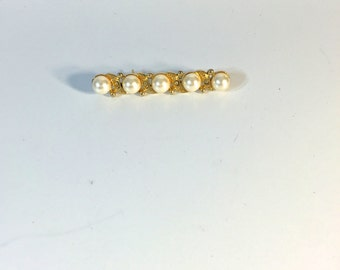 Vintage Pearl with Gold Trim Costume Brooch