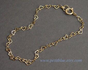 Tiny Heart Bracelet ~ Gold ~ Small Gold Heart Link Bracelet ~ Dainty Bracelet ~ Valentine's Day ~ Gift for Her Mom Sister ~ Bridesmaid Gift