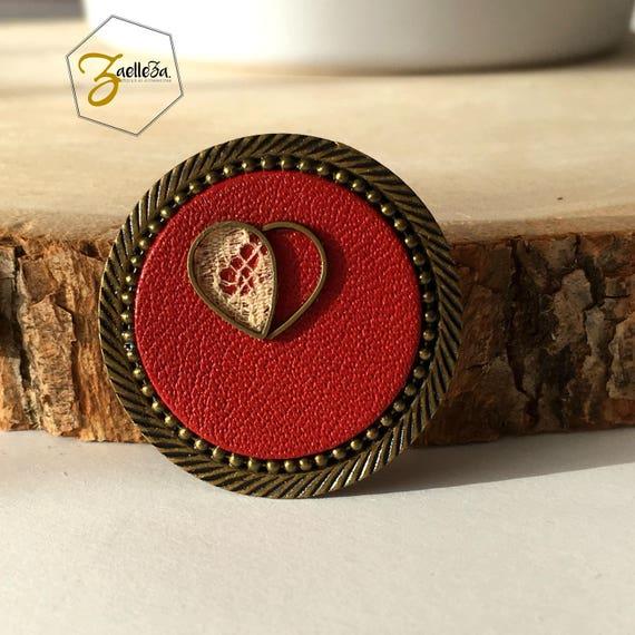 "Brooch Locket round garment / red leather lace heart / Valentine's day - model my P' little heart - ""My heart my love"" al. Zaelleza"