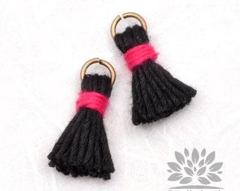 T000-CO-BK// Black Cotton Tassel Pendant, 4pcs, 18mm