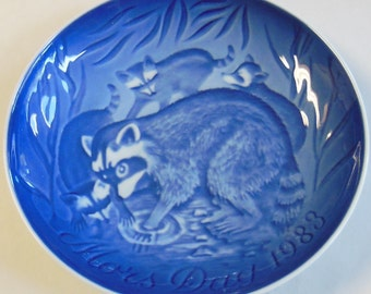 "B&G 1983 Mother's Day, Vintage Bing and Grondahl Collector Plate - ""Raccoons"""