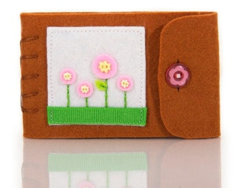Felt Needle Book, Travel Sewing Kit, Sewing Needle Case, Small Pin Keeper, Hand Embroidery, Pink Felt Flowers, Eco Friendly Felt Book