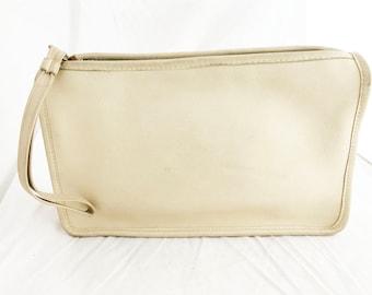 COACH- Bone White leather Zippered handheld Spring Summer travel clutch