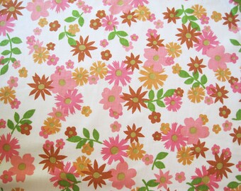 Vintage Sheet Fabric Fat Quarter – Floral Pink Orange Brown Green Mod Flowers Daisies