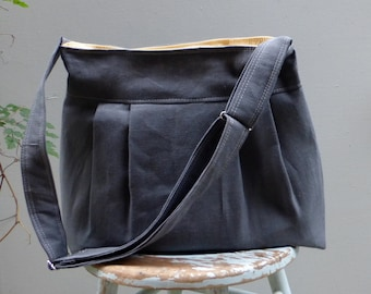 Grey Messenger Bag - Large - 5 Pockets - Adjustable Strap