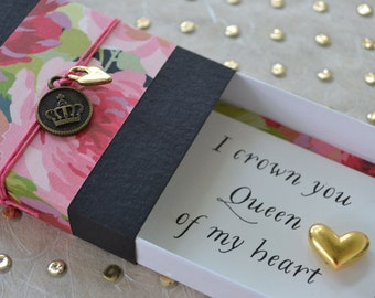 Queen of My Heart Message Box with Gold Heart Token and Gift Bag