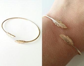 Bangle Bracelet gold 750/000 - feather Bracelet, feather - adjustable size - semi-open Bangle - 750 gold plated feather bangle bracelet