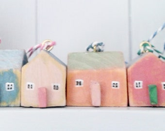Little  hanging Wooden Houses