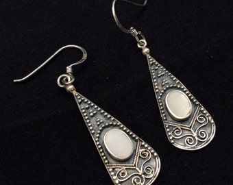 Southwestern Vintage Sterling Silver Mother of Pearl Dangle Earrings, White MOP dangle Earrings