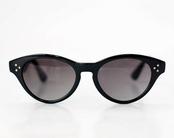 NEW Vintage Cat Eye Sunglasses / Womens Specs / Black Sunnies / Vintage Shades / Italy - 80s