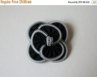 ON SALE Vintage Floral Fabric Pin 830