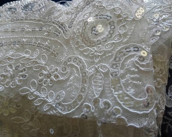 Fine lace for dress or lingerie 20 cm, sold by the yard