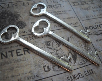 Silver Skeleton Keys-Key Pendants-Bulk Skeleton Keys Key Charms Steampunk Keys Silver Keys Steampunk Charms Wedding Keys 10 pieces 53mm