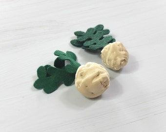 SMALL SIZE Felt Textile Celeriac Pretend Toy Sewn Vegetable Soft Veggie For Kids Young Gardener Cook Seller Pretend Food Beige Cream Green