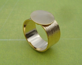 Gold Adjustable Finger Ring with 10mm Brushed Gold Band and 12.5mm Base for a Flat Back Cab or Jewel 1pc