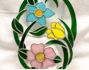 Three flower stained glass suncatcher! Sun catcher, glass art, window hanging, home decor, gift for her, floral, garden decor